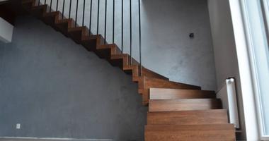 Лестница из дуба на больцах