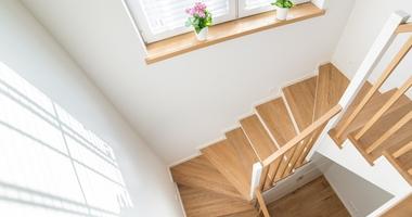 П-образная поворотная лестница на 180° из дуба